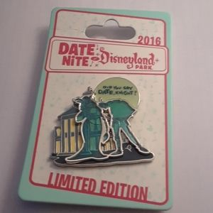 LIMITED EDITION DISNEY HAUNTED MANSION PIN